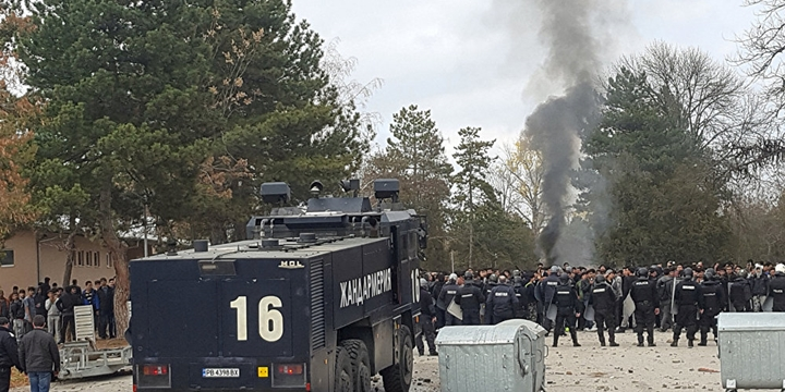 Bulgaristan'da Mültecilerle Polis Çatıştı!