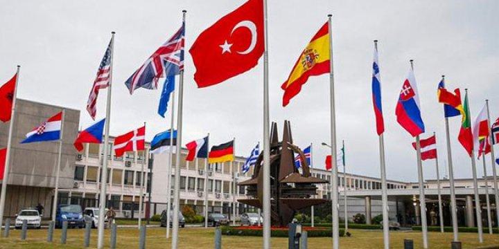 Darbeci Subaylar NATO'ya Küskün!