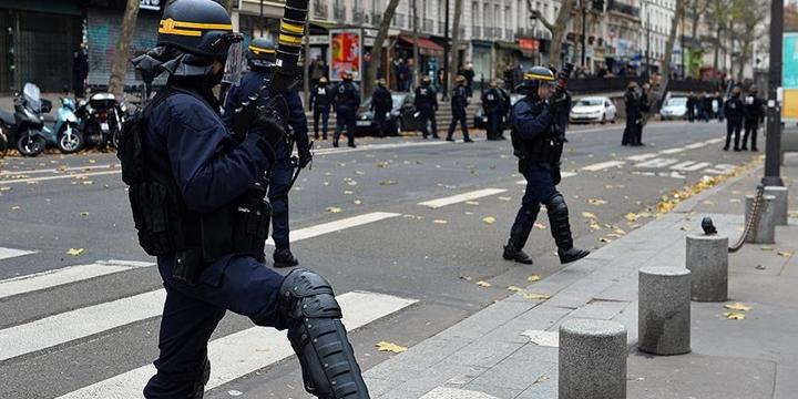 Fransa'da Olağanüstü Hâl Beşinci Kez Uzatıldı