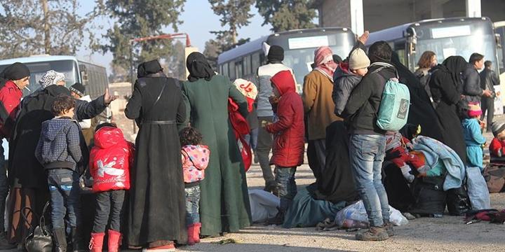 """""""Doğu Halep'ten Tahliye Edilenlerin Sayısı 20 Bine Ulaştı"""""""
