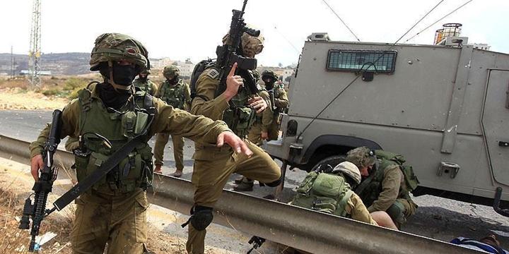 İşgalci İsrail Askerleri Bir Filistinliyi Katletti!