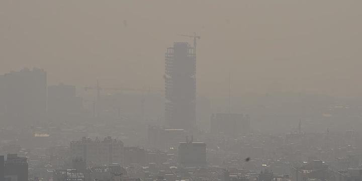 İran'da Hava Kirliliği Okulları Tatil Ettirdi