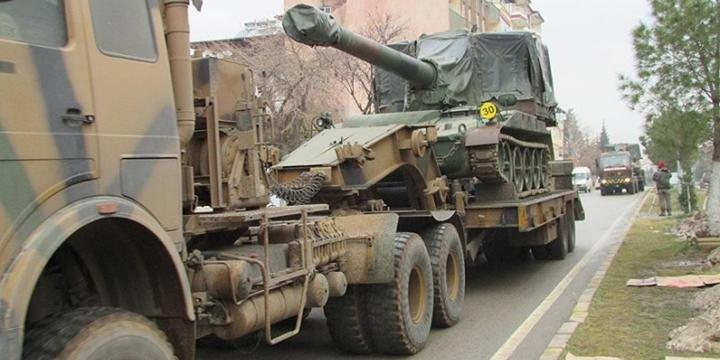 Gaziantep'in Suriye Sınırına Askerî Sevkiyat Yapıldı