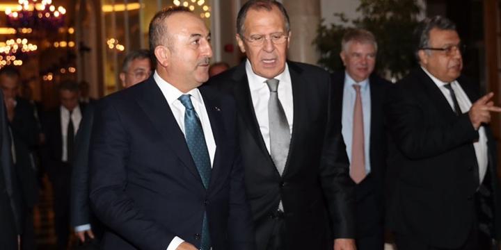 Çavuşoğlu, Lavrov ile Telefonda Suriye'yi Görüştü