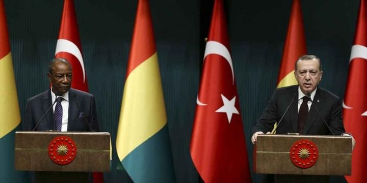 """""""Koalisyon Güçleri DEAŞ ve PYD'ye Destek Veriyor"""""""