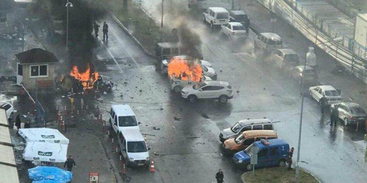 İzmir Saldırganlarının Kimlikleri Belli Oldu