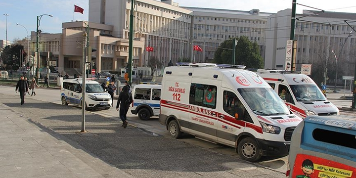 Gaziantep Emniyet Müdürlüğü'nün Önünde Çatışma Çıktı!