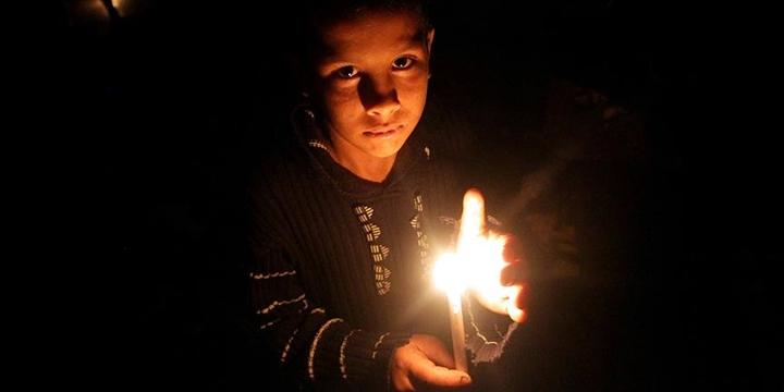 Katar'dan Gazze'ye Elektrik Yardımı