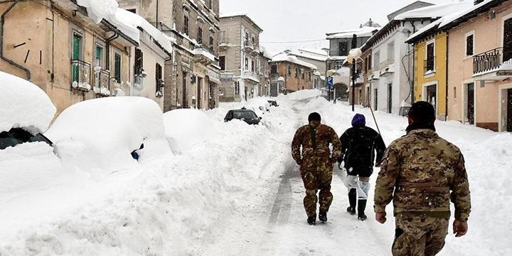 İtalya'da Çığ Düştü: Çok Sayıda Kişi Hayatını Kaybetti