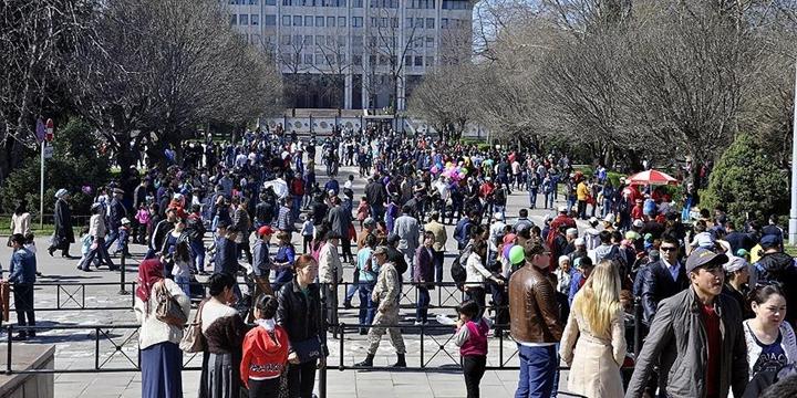 Kırgızistan'da Kamuya Açık Alanlarda Küfür Etmek Yasaklandı