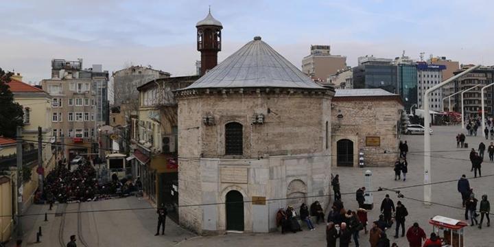 """""""Taksim'de Camiye İhtiyaç Var"""""""