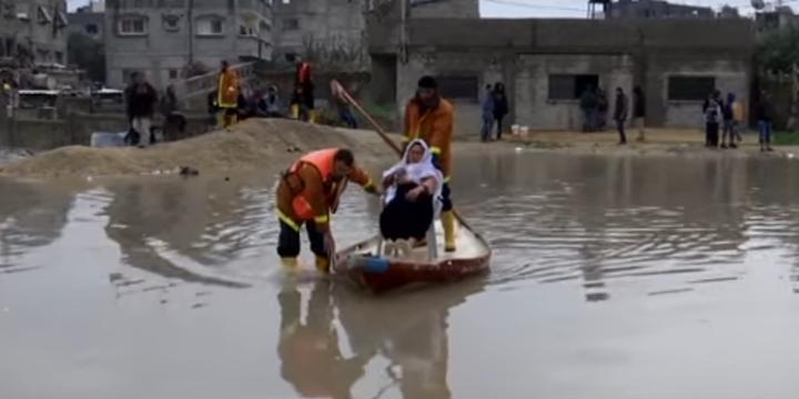Abluka Altındaki Gazze'yi Su Bastı!