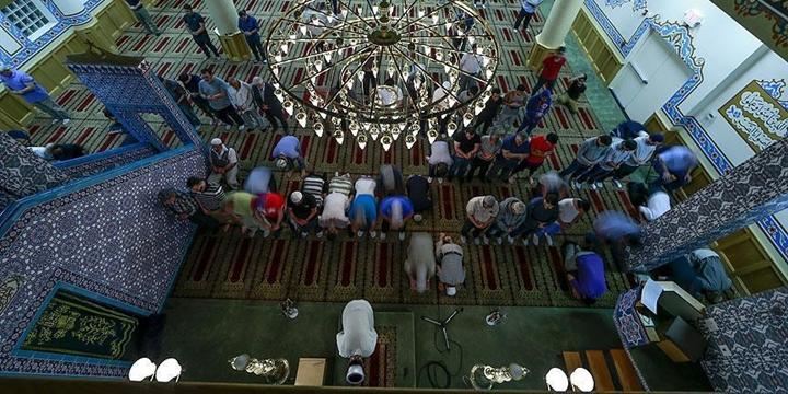 ABD'de Bir Cami Kundaklandı!