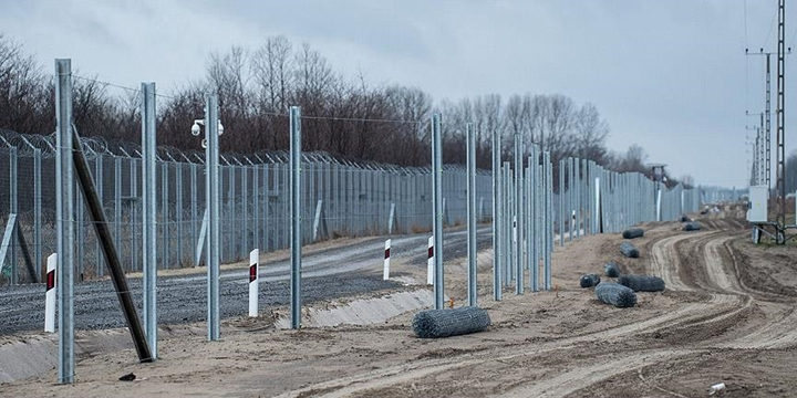 Macaristan-Sırbistan Sınırına İkinci Tel Örgü Çekiliyor!