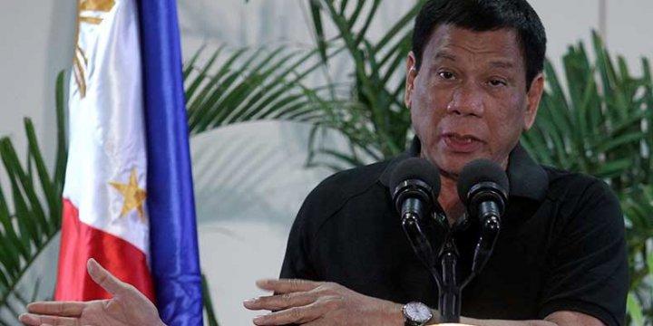 Filipinler Devlet Başkanı Tartışmalı Yasa Tasarısını İmzaladı