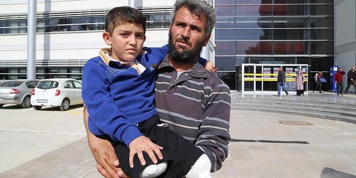 Suriyeli Baba, Esed'in Pilotu Hakkında Suç Duyurusunda Bulundu!