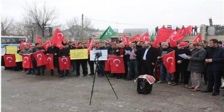 """""""Muş Evet Platformu"""" Irkçı Hollanda'yı Telin Etti!"""