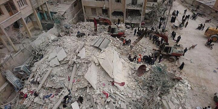 Esed Güçleri İdlib'e Saldırdı: 11 Sivil Hayatını Kaybetti!