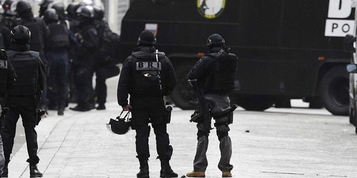 Fransa'da Polise Saldırı: 1 Polis Öldü