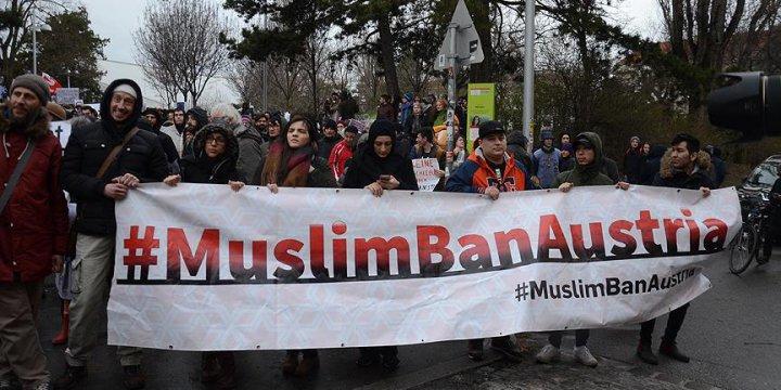 Avusturya'da Irkçılık Karşıtı Protesto