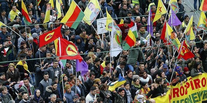 Türkiyeli Bakanlara İzin Vermeyen Almanya, PKK'ya İzin Verdi!
