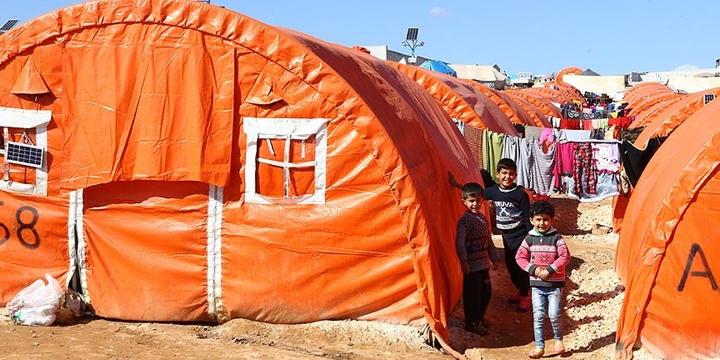Bombalardan Kaçan Suriyelilerin Kamplardaki Zorlu Yaşamı!