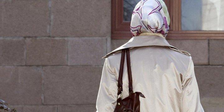 Danimarka'da Başörtülülerin İşsizlik Maaşına Kesinti