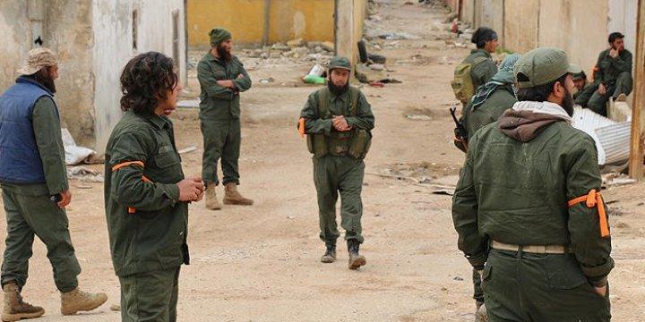 Direnişçiler Hama Merkezinin 3 Km Yakınına Ulaştı