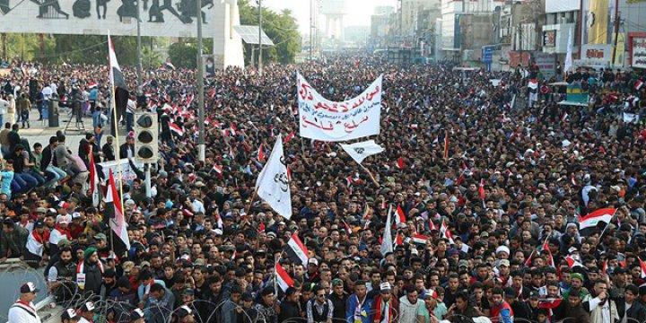Irak'ta Sadr Yanlılarından Hükümet Karşıtı Gösteri