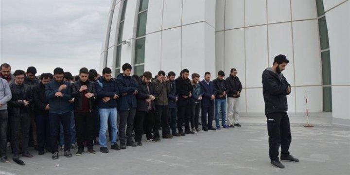 Kocaeli Üniversitesi'nde İdlib İçin Gıyabi Cenaze Namazı Kılındı