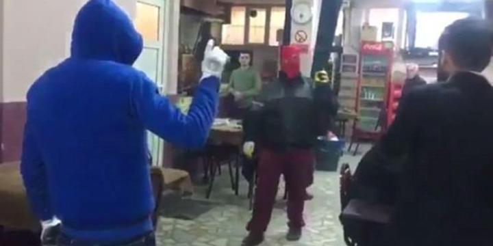 Kahvehane Basıp Tehdit Savuran Militanlardan İkisi Tutuklandı