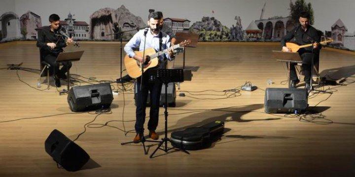 Grup Yürüyüş'ten Amasya Üniversitesi'nde Ümmet Konseri