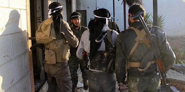 Direnişçiler Şam'daki Operasyonlarını Sürdürüyor!