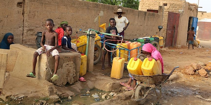 """""""Dünyada 2 Milyar Kişi Kirli Su İçiyor"""""""