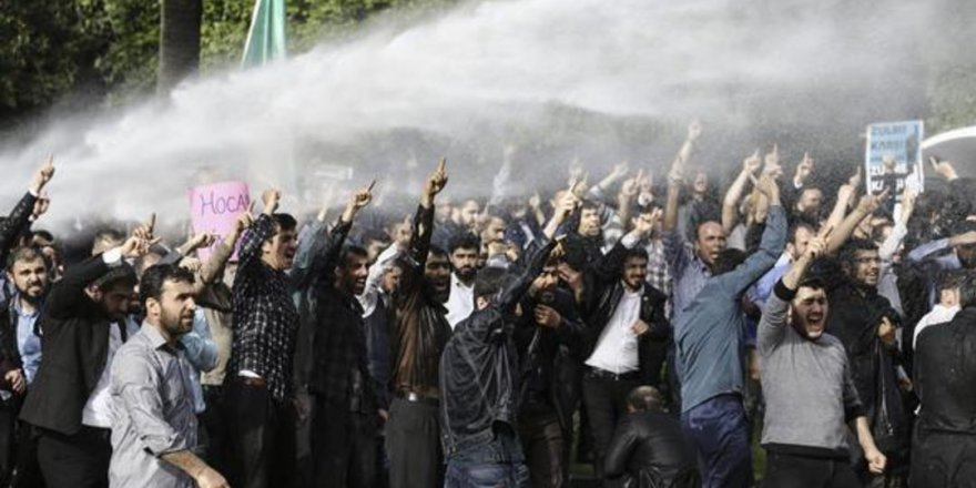Polisten Furkan Vakfı Eylemine Müdahale