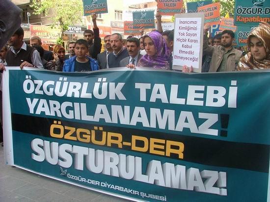 Diyarbakır: Özgür-Der Susturulamaz!