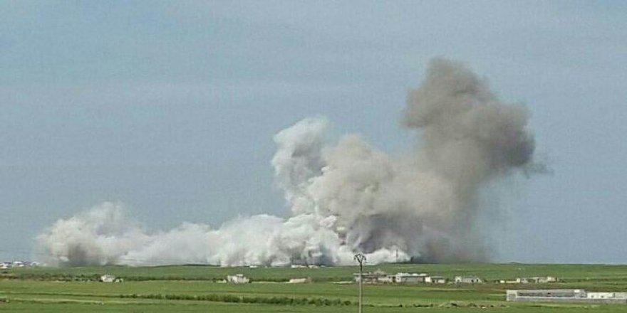 Esed Güçleri Sığınmacı Kampına Hava Saldırısı Düzenledi