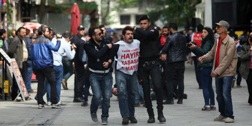 İstanbul'daki 1 Mayıs Gösterilerinde 165 Kişi Gözaltına Alındı