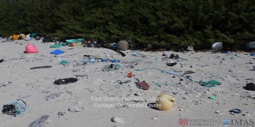 Güney Pasifik'teki Adada 17 Tondan Fazla Plastik Atık Bulundu!