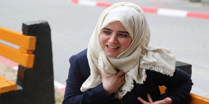 """""""Gazze'de Okuyarak Ablukayla Mücadele Ediyor"""""""