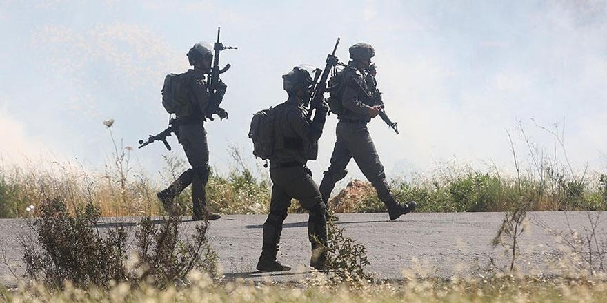 İşgalci İsrail Polisi 3 Aksa Muhafızını Gözaltına Aldı!