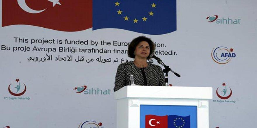 AB'den Türkiye'ye Suriyeli Sığınmacı Övgüsü