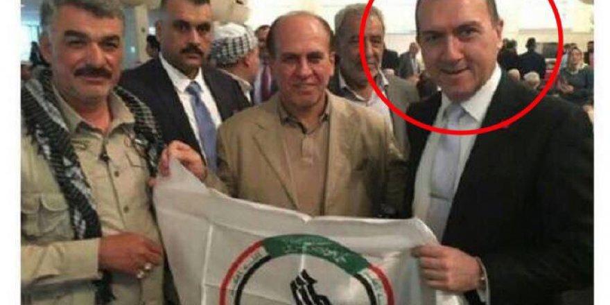 Türkiye'nin Bağdat Büyükelçisi Haşdi Şaabi Bayrağıyla Poz Verdi!