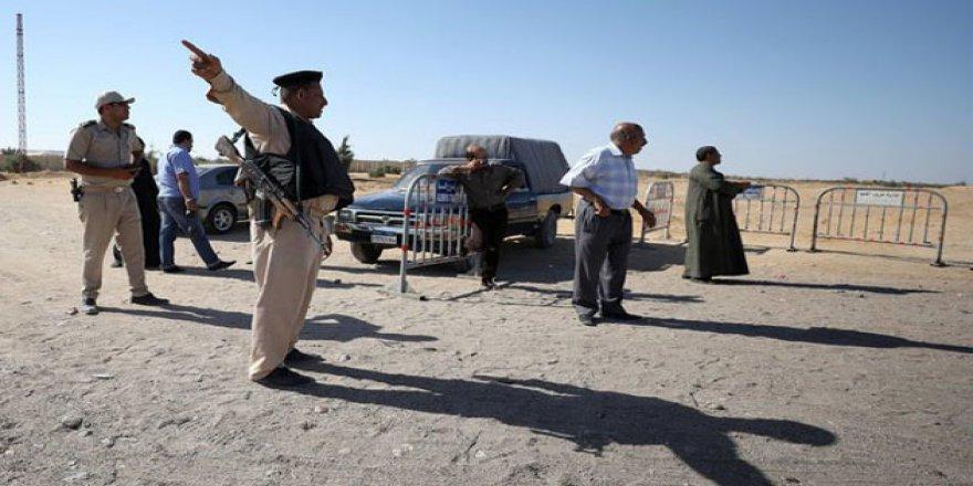Darbeci Mısır Ordusu Libya'ya Saldırdı