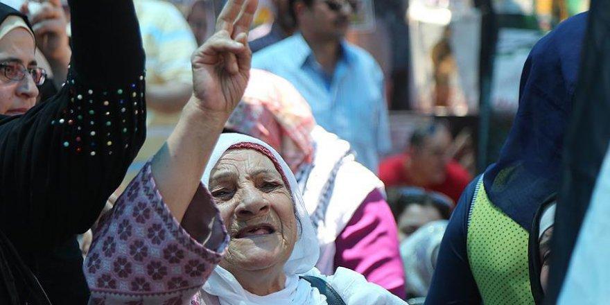 Filistinli Esirlerin Aileleri Çifte Sevinç Yaşıyor