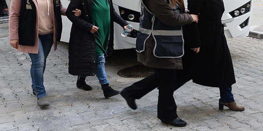 Çorum'da 20 Kadın FETÖ ile İrtibatlı Oldukları İddiasıyla Gözaltına Alındı