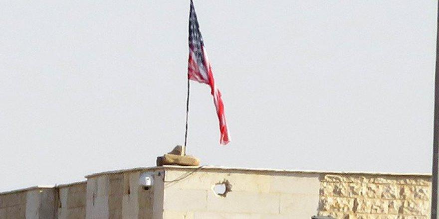 PYD/PKK Karargâhına İkinci ABD Bayrağı Asıldı