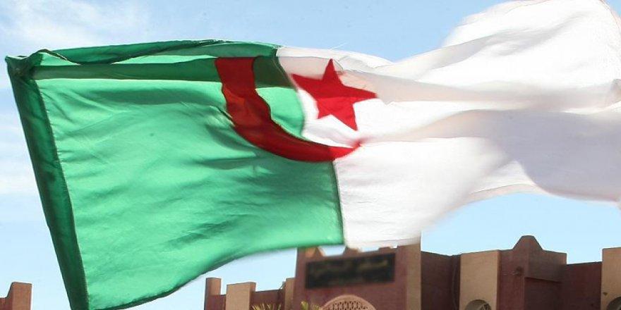 Cezayir'den Katar Krizi İçin Diyalog Çağrısı