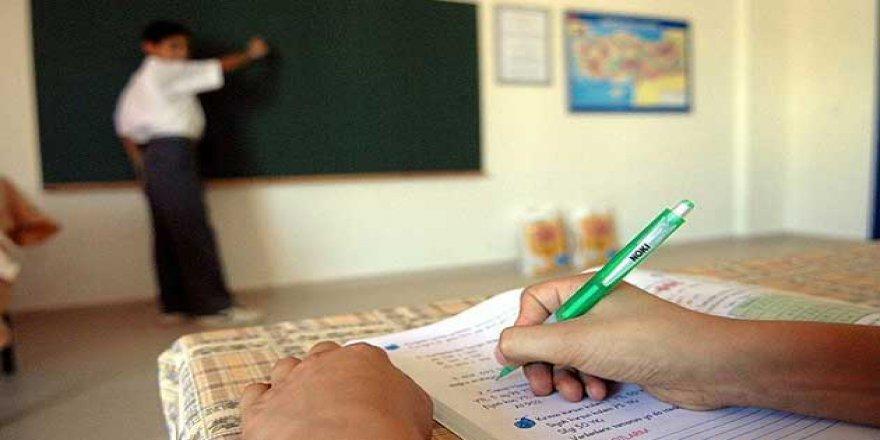 Tüm Öğretmenlere 4 Yılda Bir 'Yeterlilik' Sınavı Şartı