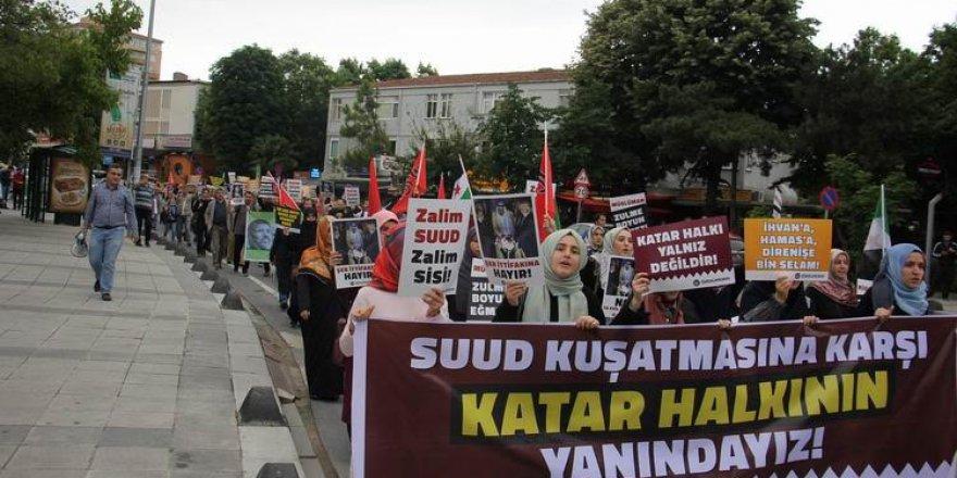 Katar'a Yönelik Kuşatma İstanbul'da Protesto Edildi